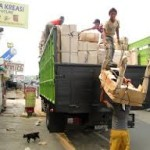 pengiriman furniture jepara,furniture jati,furniture jati jepara,furniture minimalis,gambar truck ekspedisi
